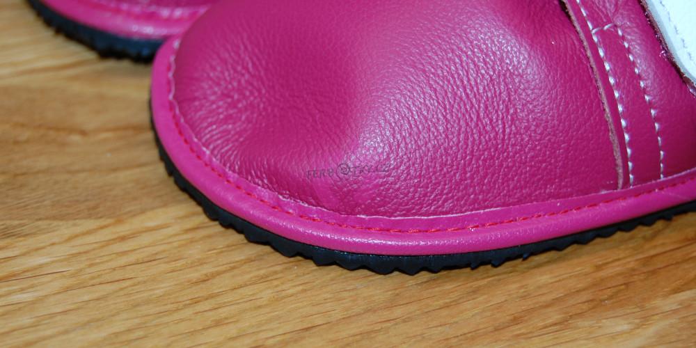 Detail lemu a svršku Beda boty barefoot kožené červené