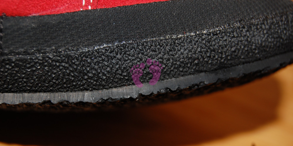 Detail podrážky Sole Runner PAN Red/Black