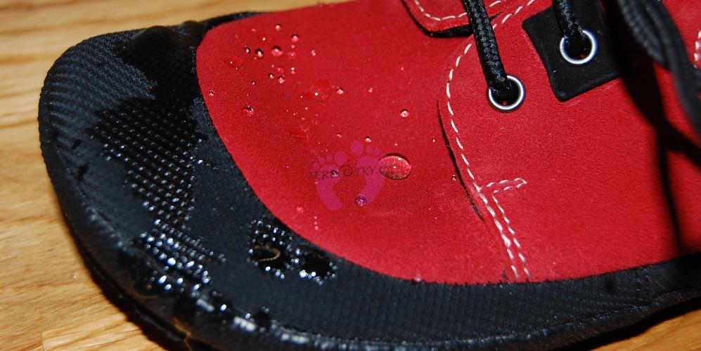 Voděodpudivý materiál Sole Runner PAN Red/Black